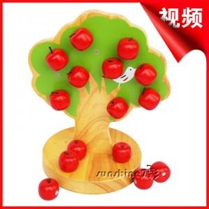 Дерево яблочное на магнитах C221